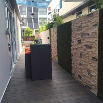 artificial green grass on the wall